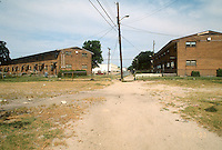 1993 June 21..Assisted Housing.Calvert Square..BEFORE RENOVATIONS.ROLL 7-2.NORTH OF PUMP STATION LOOKING WEST...NEG#.NRHA#..