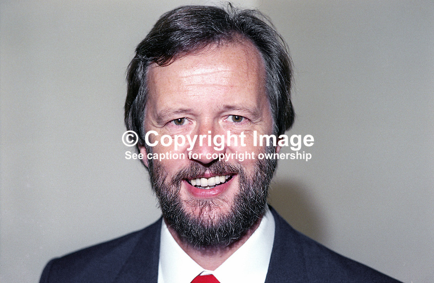 Martyn Jones, MP, Labour Party, Clwyd South West, Wales, UK, 199010050112..© Victor Patterson, 54 Dorchester Park, Belfast, N Ireland. Tel: +44 2890661296; Mobile: +44 7802 353836; Emails: victorpatterson@me.com & victorpatterson@gmail.com; www.victorpatterson.com