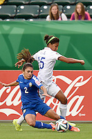 Edmonton, Canada - Friday, August 8, 2014: The USWNT U-20's defeated Brazil 1-0 in their first round match during the 2014 FIFA U-20 Women's World Cup at Commonwealth Stadium.