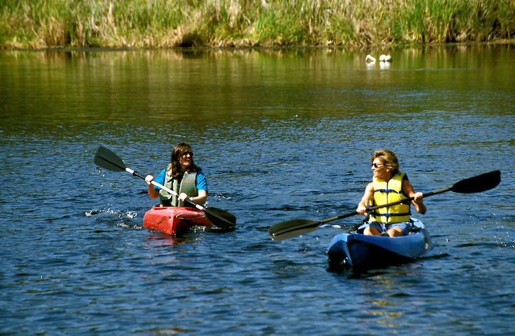 Florida: kayaking, Homosassa River, model released.  Photo: flcitr105.Photo copyright Lee Foster, 510/549-2202, lee@fostertravel.com, www.fostertravel.com