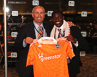 Dominic Kinnear with Kofi Sarkodie at the 2011 MLS Superdraft, in Baltimore, Maryland on January 13, 2010.