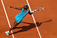 Serena Williams (USA) (1) against Samantha Stosur (AUS) (7) in the quarter finals of the women's singles. Samantha Stosur beat Serena Williams 6-2 6-7 8-6..Tennis - French Open - Day 11 - Wed 02 June 2010 - Roland Garros - Paris - France..© FREY - AMN Images, 1st Floor, Barry House, 20-22 Worple Road, London. SW19 4DH - Tel: +44 (0) 208 947 0117 - contact@advantagemedianet.com - www.photoshelter.com/c/amnimages
