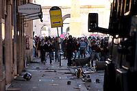 Roma 14 Dicembre 2010.<br /> Manifestazione contro il Governo Berlusconi. I manifestanti assaltono i mezzi della polizia  in via del Corso<br /> Rome December 14, 2010.<br /> Demonstration against the Berlusconi government. Protesters attack police.