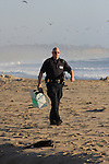Peninsula Humane Office, Brian Schenck, rescue of W. gull in Half Moon Bay