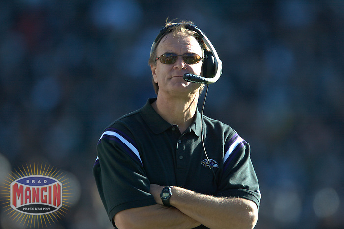 Coach Brian Billick. Football: Baltimore Ravens vs Oakland Raiders at McAfee Coliseum in Oakland, CA on December 14, 2003. Photo by Brad Mangin.