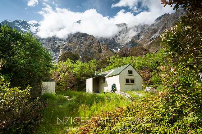 Douglas Hut in Copland Valley, Westland Tai Poutini National Park, UNESCO World Heritage Area, West Coast, New Zealand, NZ