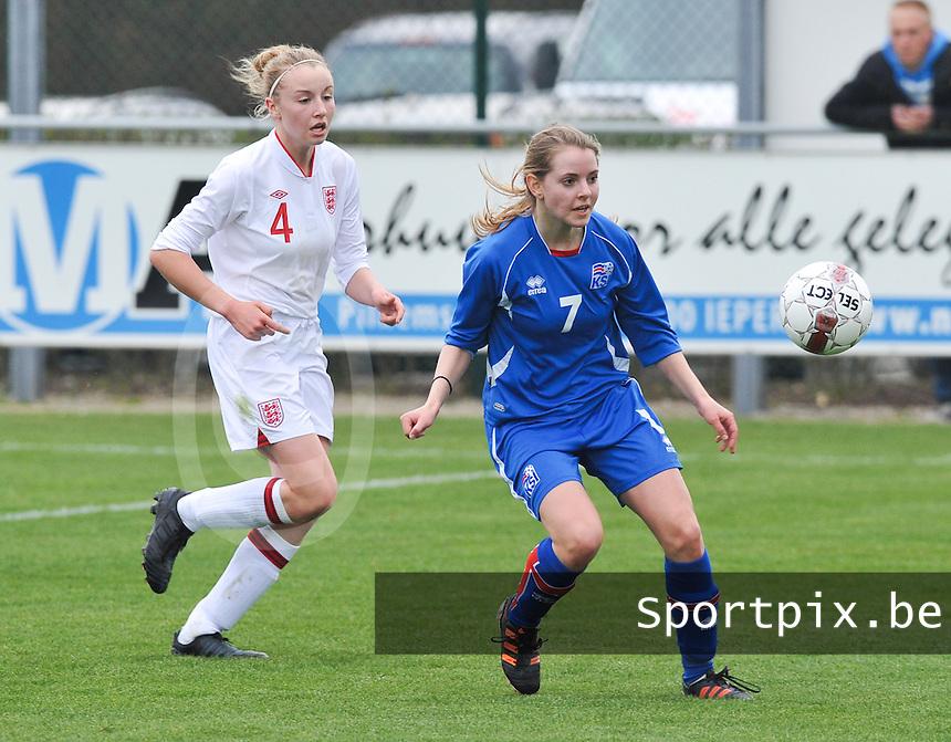 UEFA Women's Under 17 Championship - Second Qualifying round - group 1 : England - Iceland : .Lara Einarsdottir aan de bal voor Leah Cathrine Williamson.foto DAVID CATRY / Vrouwenteam.be