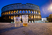 Roma 12 Maggio 2012 .Bicchieri  di birra lasciati davanti al Colosseo dopo una notte di movida