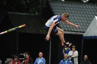 FIERLJEPPEN: BUITENPOST: 09-07-2016, Bart Helmholt, Age Hulder, de winner fan de A-klasse mei 19.18 m, ©foto Martin de Jong