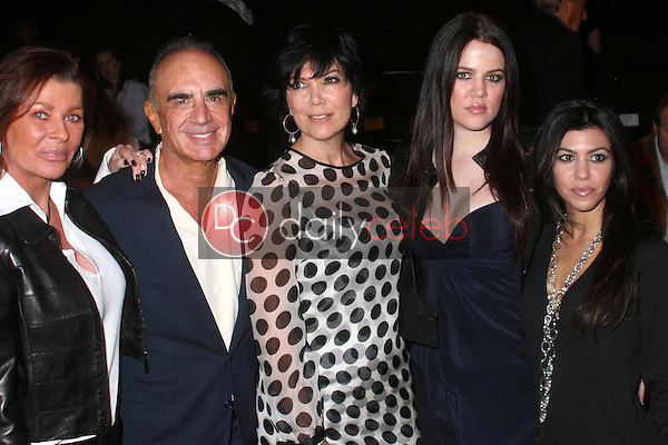 Linell Shapiro and Robert Shapiro with Kris Jenner and her daughters Khloe Kardashian and Kourtney Kardashian<br />