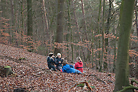 Kinder picknicken im Wald, Picknick, Pick-Nick, Outdoor, picnic