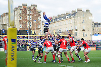 Matt Garvey of Bath Rugby wins the ball at a lineout. Aviva Premiership match, between Bath Rugby and Saracens on December 3, 2016 at the Recreation Ground in Bath, England. Photo by: Patrick Khachfe / Onside Images
