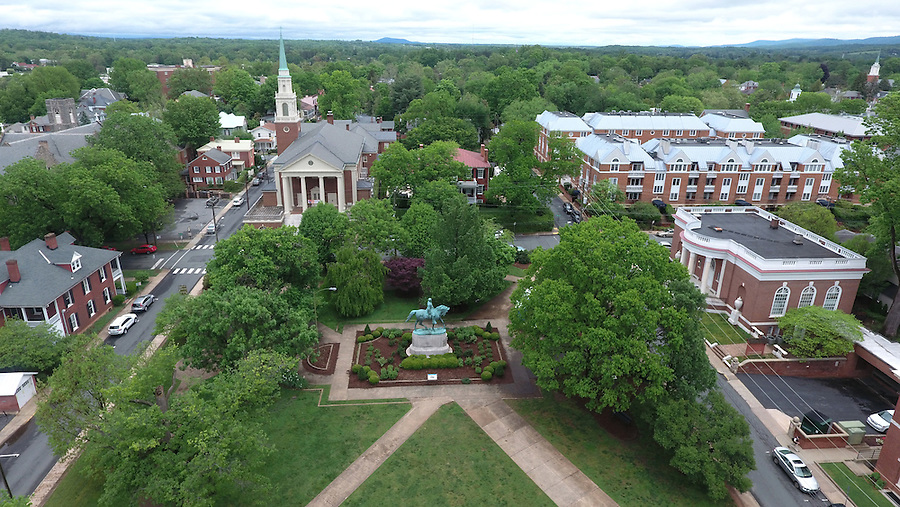 Lee park in downtown Charlottesville, Virginia. Photo/Andrew Shurtleff
