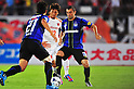(R-L) Leandro (Gamba), Takumi Shimohira (Ardija),.AUGUST 4, 2012 - Football / Soccer :.2012 J.League Division 1 match between Gamba Osaka 3-1 Omiya Ardija at Expo '70 Stadium in Osaka, Japan. (Photo by AFLO)