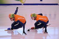 SCHAATSEN: DORDRECHT: 11-10-2015, Invitation Cup Shorttrack, Leon Bloemhof (#58), Adwin Snellink (#57), ©foto Martin de Jong