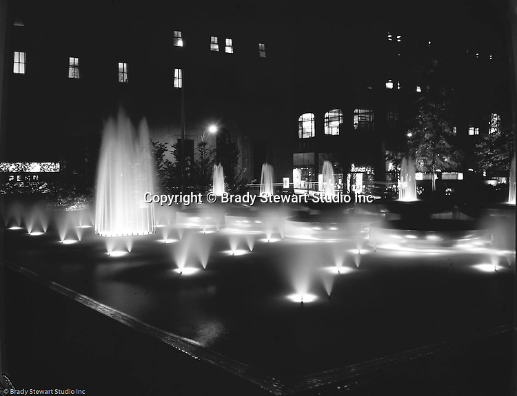 The new mellon square at night 1955 the brady stewart for Mitchell s fish market pittsburgh