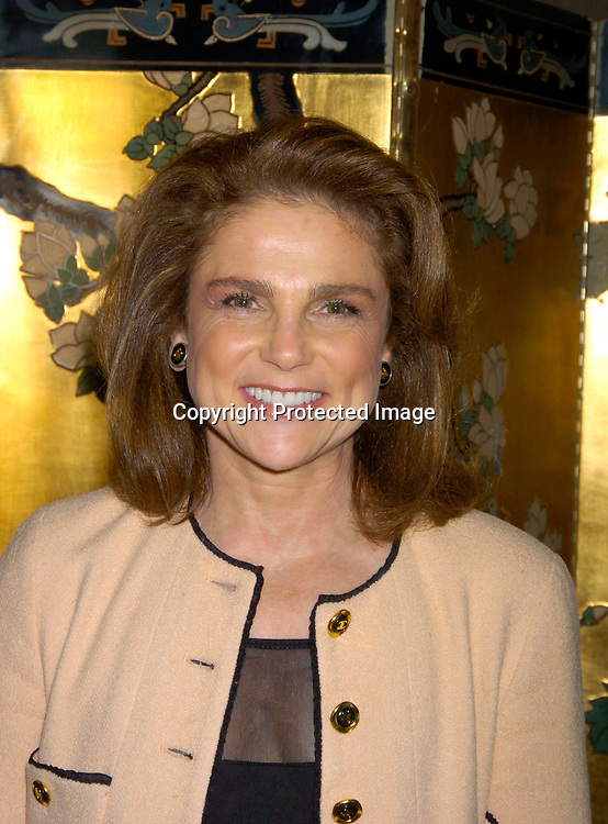 tovah feldshuh law and order