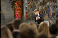 OSLO -NORUEGA-10-12-2016  Juan Manuel Santos, presidente de Colombia, durante la ceremonia de entrega del Premio Nobel de Paz 2016 que obtuvo por su trabajo en pro de la paz en Colombia. El premio fue entregado hoy 10 de diciembre de 2016 en el  Town Hall de Oslo Noruega./ Juan Manuel Santos, president of Colombia, during the ceremony of Nobel Peace Prize 2016. The prize was give to the santos president today December 10 2016 at Oslo Town Hall , Oslo, Norway. / Photo: VizzorImage / Cesar Carrion / SIG.  / HANDOUT PICTURE; MANDATORY EDITORIAL USE ONLY/ NO MARKETING, NO SALES
