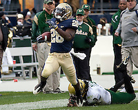 Pittsburgh running back Dion Lewis breaks off a long run. The Pittsburgh Panthers defeated the South Florida Bulls 41-14 at Heinz Field, Pittsburgh, PA on October 24, 2009.