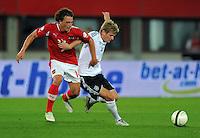 Fussball International  WM Qualifikation 2014   11.09.2012 Oesterreich - Deutschland Julian BAUMGARTLINGER (li, Oesterreich) gegen Toni Kroos (Deutschland)