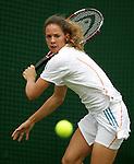 Tennis All England Championships Wimbledon Patty Schnyder (SUI) spielt eine Ruieckhand in ihrem Spiel gegen A. Serra Zanetti (ITA).