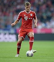 Fussball  1. Bundesliga  Saison 2013/2014   1. SPIELTAG FC Bayern Muenchen - Borussia Moenchengladbach       09.08.2013 Toni Kroos (FC Bayern Muenchen) Einzelaktion am Ball
