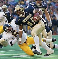 Pittsburgh running back Kevan Barlow runs for 272 yards against WVU on November 25, 2000.