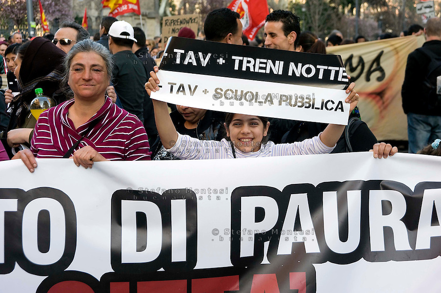 Roma 17  Marzo 2012.Manifestazione  dei  movimenti per il diritto alla casa e no Tav