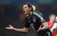 FUSSBALL  CHAMPIONS LEAGUE  ACHTELFINALE  HINSPIEL  2012/2013      FC Arsenal London - FC Bayern Muenchen       19.02.2013 Daniel van Buyten (FC Bayern Muenchen) emotional