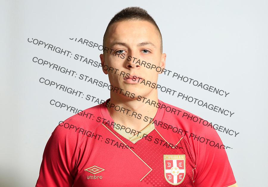 Futsal<br /> Portreti igraca Futsal nacionalne selekcije Srbije <br /> Milos Stojkovic<br /> Stara Pazova, 26.11.2015.<br /> foto: Srdjan Stevanovic/Starsportphoto &copy;