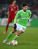 FUSSBALL   1. BUNDESLIGA   SAISON 2012/2013    22. SPIELTAG VfL Wolfsburg - FC Bayern Muenchen                       15.02.2013 Diego (VfL Wolfsburg) Einzelaktion am Ball