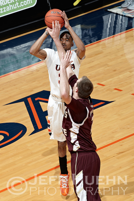 SAN ANTONIO, TX - FEBRUARY 25, 2012: The Texas State University Bobcats vs. The University of Texas at San Antonio Roadrunners Men's Basketball at the UTSA Convocation Center. (Photo by Jeff Huehn)