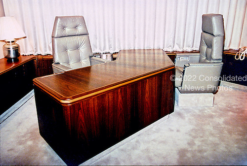 air force 1 office. Air Force One Interior Consolidated News Photos 1 Office R