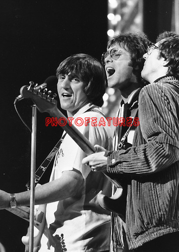 Cliff Richard 1974 with Hank Marvin & Bruce Welch