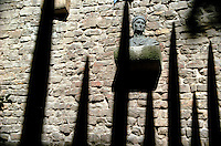 Bust of Durante degli Alighieri (&quot;Dante&quot;) placed on his, said to be house. Florence, Italy<br />
