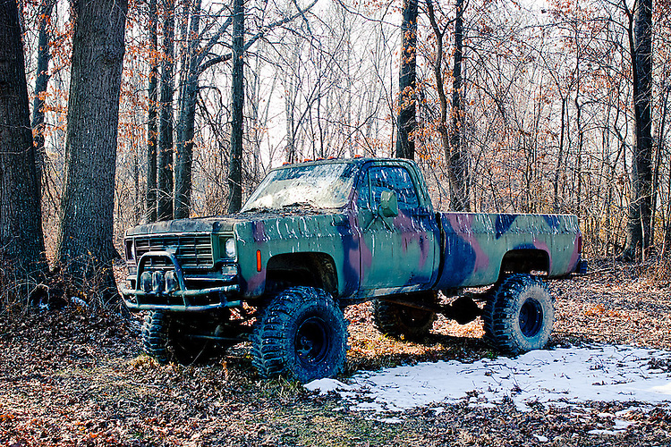 Camo Chevy Trucks for Sale http://nicksuydam.photoshelter.com/image/I0000lWcx29azw0Y
