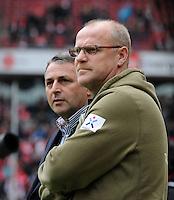 FUSSBALL   1. BUNDESLIGA   SAISON 2011/2012   29. SPIELTAG 1. FC Koeln - SV Werder Bremen                           07.04.2012 Trainer Thomas Schaaf (vorn) und Manager Klaus Allofs (hinten, beide SV Werder Bremen)
