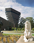The de Young Museum (new 2005), Golden Gate Park, San Francisco, CA..Designed by Herzog & de Meuron (Swiss) and Fong & Chan-SF, architects.