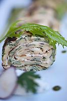 Europe/France/Midi-Pyr&eacute;n&eacute;es/12/Aveyron/Aubrac/Laguiole: La pascade roul&eacute;e au fromage de l' Ecir frais  et aux herbes, recette de  Gilles Moreau de l' H&ocirc;tel Auguy <br /> La pascade (pasc&aacute;do) est une grosse cr&ecirc;pe. C'est un plat de m&eacute;nage du Rouergue