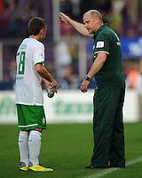 FUSSBALL   INTERNATIONALES TESTSPIEL  SAISON 2011/2012   SV Werder Bremen - Fenerbahce Istanbul               23.08.2011 Trainer Thomas SCHAAF (re) und Levent AYCICEK (re, beide Werder Bremen)