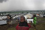 © Remi OCHLIK/IP3, Goma, Republique Democratique du Congo, le 19 novembre 2008 - Camp de refugies de Kibati, a quelques kilometres de la ligne de front entre l armee reguliere FARDC, et les rebelles CMDP. 250.000 personnes ont fuis les villages ou les combats faisaient rage...Kibati, refugees camp, close to Goma,