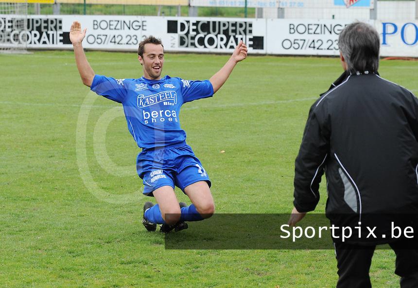 Sasport Boezinge - OMS Ingelmunster..vreugde na de 0-1 van Bart Dendievel voor Ingelmunster..foto VDB / BART VANDENBROUCKE