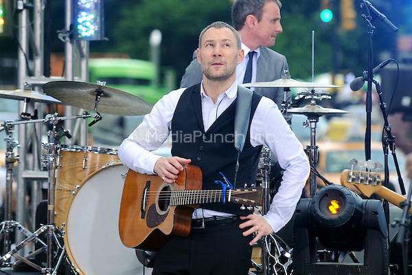 David Gray performs on the CBS Early Show in New York City. June 27, 2011. © mpi01 / MediaPunch Inc.