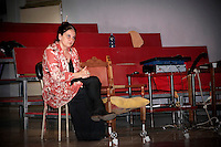 Emma Dante durante un suo laboratorio di recitazione.<br />