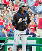 New York Mets shortstop Jose Reyes (7) bats in the first inning against the Washington Nationals at Nationals Park in Washington, D.C. on Saturday, July 30, 2011.  .Credit: Ron Sachs / CNP.(RESTRICTION: NO New York or New Jersey Newspapers or newspapers within a 75 mile radius of New York City)
