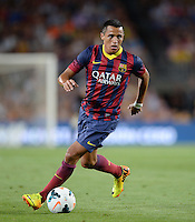 FUSSBALL  INTERNATIONAL   SAISON 2011/2012   02.08.2013 Gamper Cup 2013 FC Barcelona - FC Santos Alexis Sanchez (Barca) am Ball