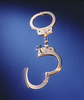 Handcuffs with movement