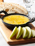 Fontina cheese dip with apples.
