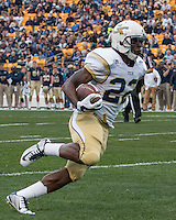 Broderick Snoddy scores on a four yard touchdown run. The Georgia Tech Yellow Jackets defeated the Pitt Panthers 56-28 at Heinz Field, Pittsburgh Pennsylvania on October 25, 2014.