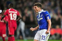 FUSSBALL   EUROPA LEAGUE   SAISON 2011/2012  ACHTELFINALE FC Schalke 04 - Twente Enschede                         15.03.2012 Klaas Jan Huntelaar (FC Schalke 04) jubelt nach seinem Tor zum 2:1